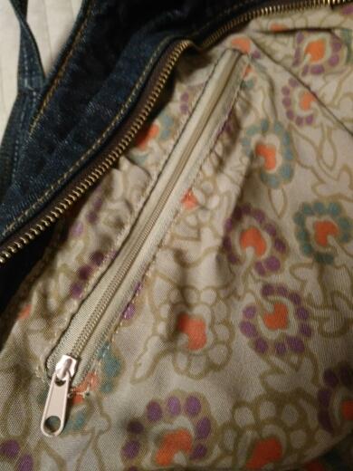 3a74cc0d1b42 Великолепная качественная сумка из денима!! Она не большая, она огромная!!  А подкладка...ммммм :)) Обожаю её. Заказ пришёл за 2 недели. Огромное  спасибо!